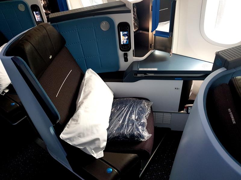 KLM Dreamliner B787 Business Class Einzelsitz Erfahrung
