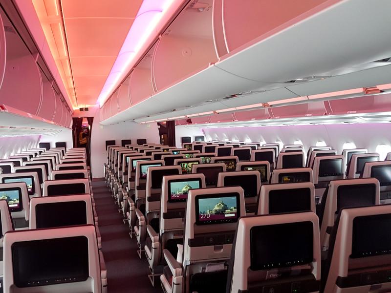 Qatar Airways Economy Klasse mit 11,6-Zoll-HD-Bildschirmen im A350-1000