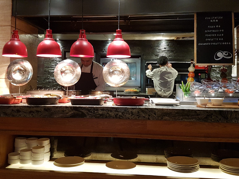 Gute Erfahrung im Restaurant Venu, Frühstück im Accor Pullman Hotel Shanghai Jing'an