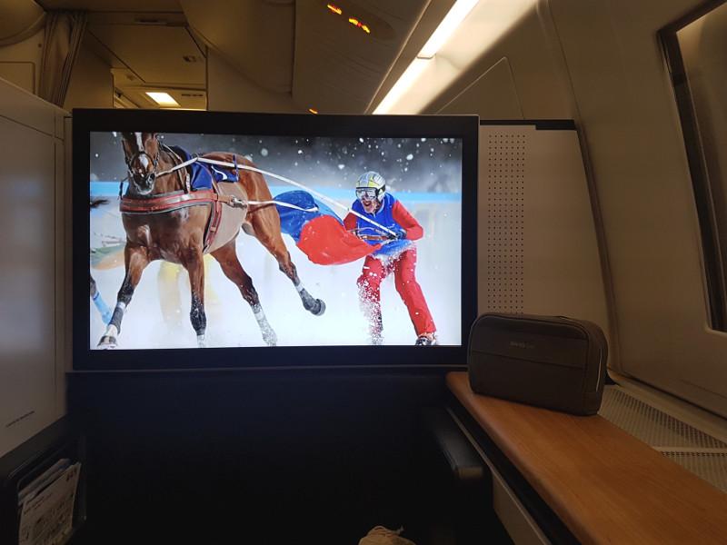SWISS Airlines First Class geschlossene Suite mit Schiebetür in der Boeing 777-300ER