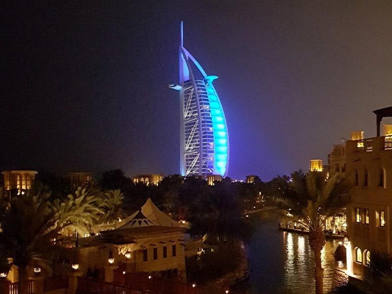 Flugreise nach Dubai, 1 Woche, Direktflug, Hotel mit Frühstück, Zug zum Flug