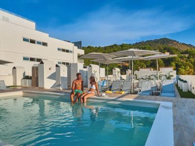 Flugreise nach Mallorca im 4,5* BQ Bulevar Paguera Hotel, 7 Tage, Halbpension, Zug zum Flug, Ausgezeichnete Bewertungen