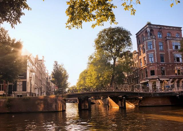 Gründerzeit-Charme an der Gracht in Amsterdam, The Manor, Amsterdam, Niederlande - save 25%