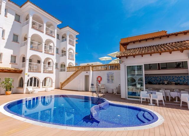 Sorglose Sonnenauszeit auf Mallorca, R2 Bahia Cala Ratjada Design Hotel, Cala Ratjada, Mallorca, Balearen, Spanien - save 38%