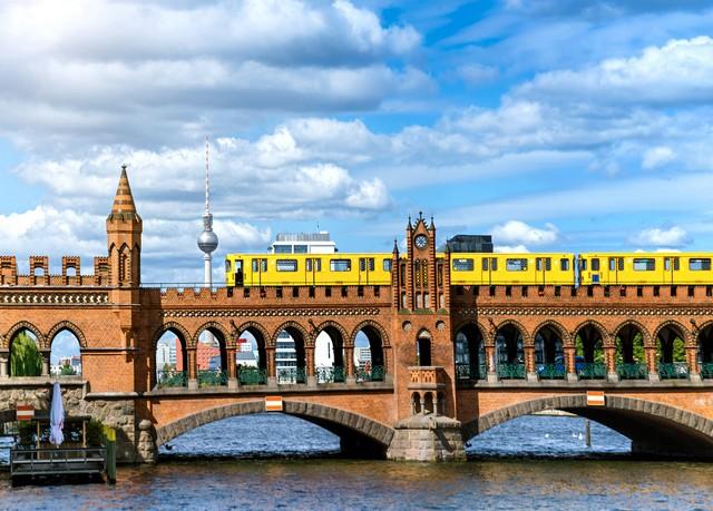 Das Szeneviertel Kreuzberg erleben, Hotel Vier Jahreszeiten Berlin City Kreuzberg, Berlin, Deutschland - save 53%