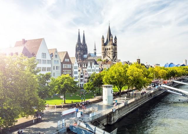 Köln in Bestlage: Von der Messe zur Altstadt, Dorint An der Messe Köln, Nordrhein-Westfalen, Deutschland - save 54%