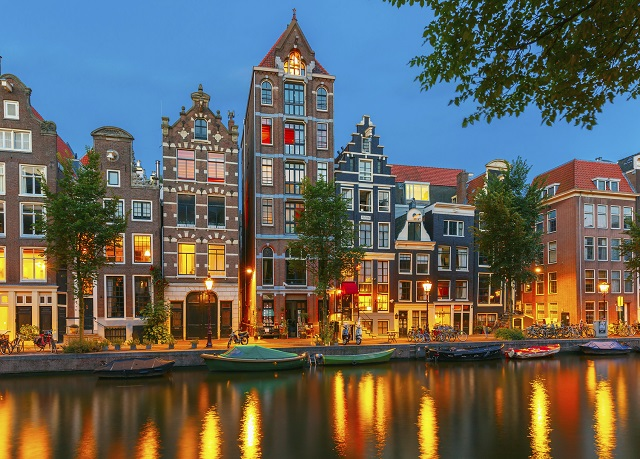 the niu Fender, Amsterdam, Niederlande