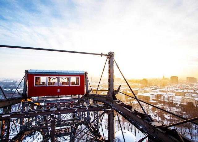 Shoppingtrip in die österreichische Haupstadt, NH Danube City, Wien, Österreich - save 41%