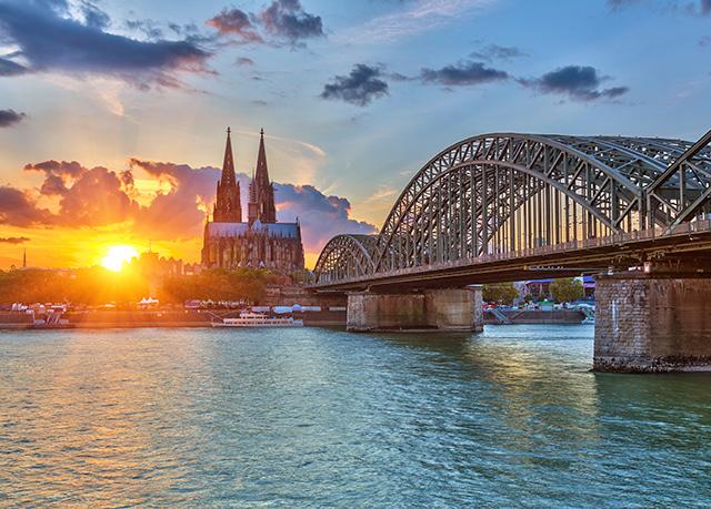 Maritim in Köln: Direkt am Rhein residieren, Maritim Hotel Köln, Nordrhein-Westfalen, Deutschland - save 44%