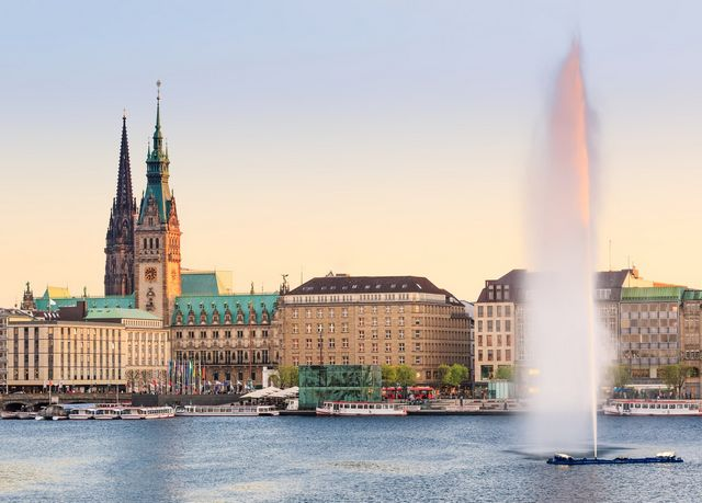 Luxusapartments im Park Hyatt Hamburg, Park Hyatt Hamburg, Deutschland - save 45%