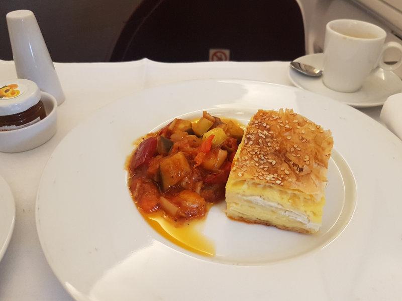 Air Serbia Regionale Gerichte - gutes Catering