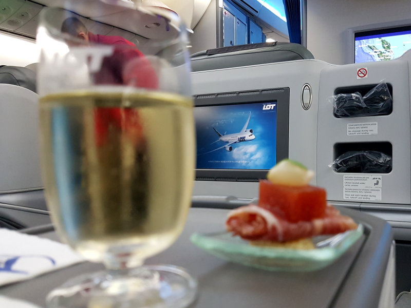 Erstklassige Bewirtung in der LOT Business Class