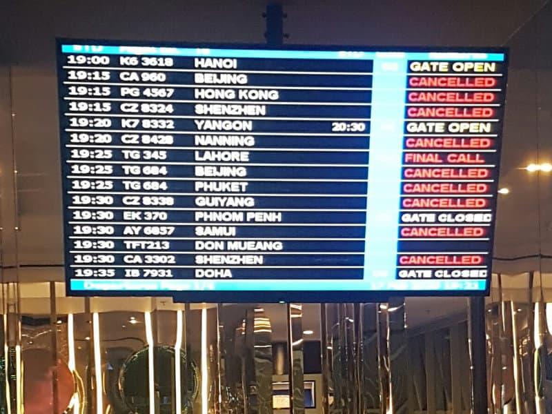 Flugstornierungen in Asien, Beispiel Flughafen Bangkok