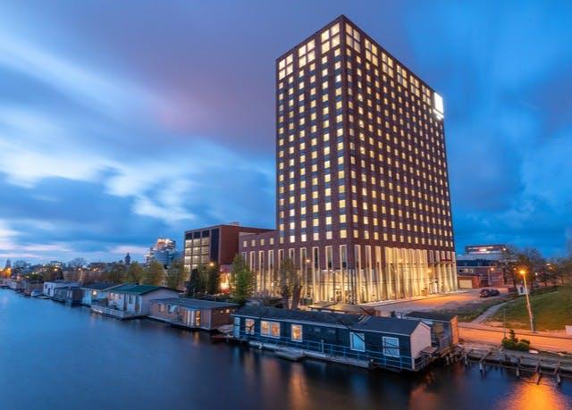 Direkt am Kanal im Süden Amsterdams - Kostenfrei stornierbar, Leonardo Royal Hotel Amsterdam, Niederlande - save 60%
