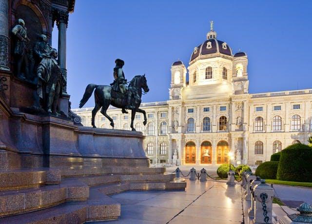 Spannender Citytrip nach Wien - Kostenfrei stornierbar, roomz Vienna Gasometer, Wien, Österreich - save 62%