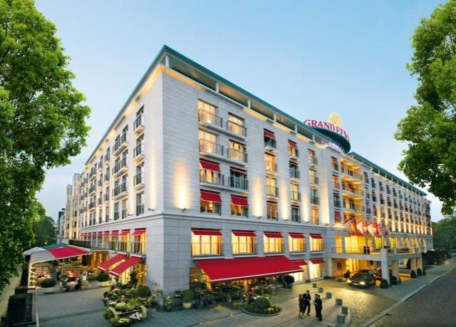 5*-Luxus nahe der Alster - Kostenfrei stornierbar, Grand Elysée Hamburg, Deutschland - save 49%