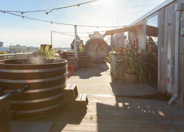 Modernes Lifestyle-Hotel im Osten Amsterdams - Kostenfrei stornierbar, Volkshotel, Amsterdam, Niederlande - save 44%
