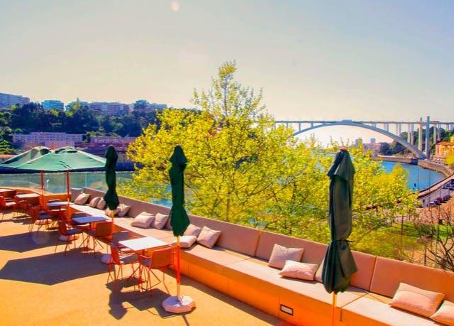 Modernes Hotel direkt am Douro - Kostenfrei stornierbar, Vincci Porto, Portugal - save 48%