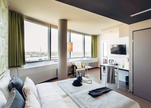 Modernes Cityhotel an der Donauinsel - Kostenfrei stornierbar, Harrys Home Hotel Wien Millennium Tower, Österreich - save 42%