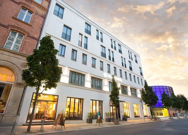 4*-Komfort in Berlin Mitte - Kostenfrei stornierbar, Select Hotel Berlin The Wall, Berlin, Deutschland - save 48%