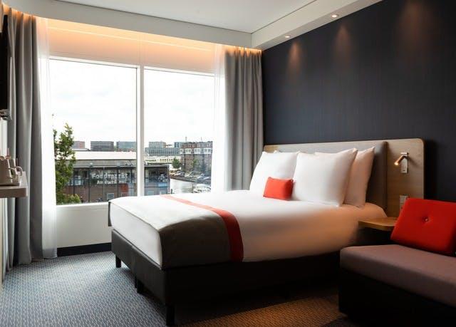 Zentrumsnaher Komfort in Amsterdamer Neueröffnung - Kostenfrei stornierbar, Holiday Inn Express Amsterdam - North Riverside, Amsterdam, Nordholland, Niederlande - save 25%
